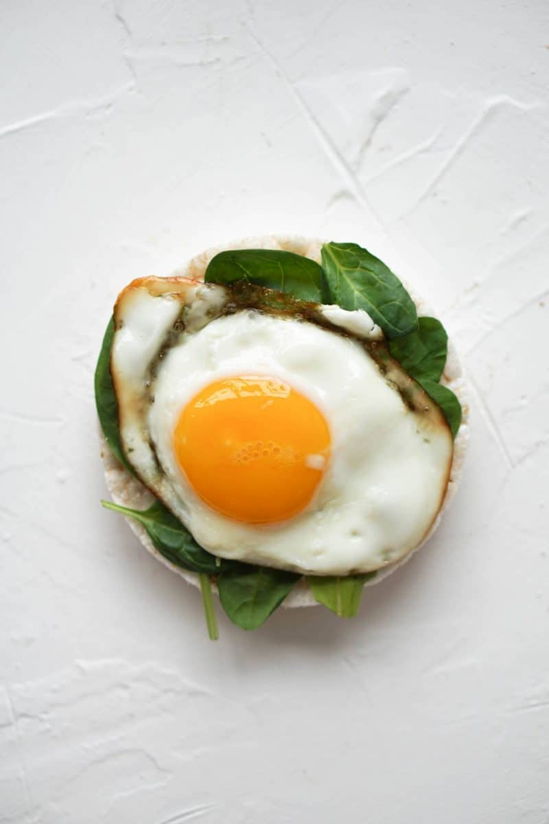 Fried egg and greens: Rice cake toppings